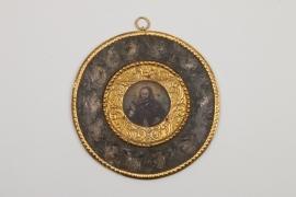 Miniatur eines Geistlichen in barockem Rahmen, deutsch, Mitte 17.Jh.