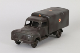 Tipp & Co. - ambulance lorry