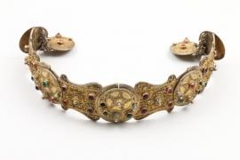 Schwerer Prunkgürtel aus vergoldetem Silber, osmanisch/Kaukasus, 19. Jh.