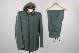 East German KVP General's uniform grouping