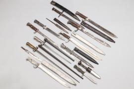 Lot of 15 bayonets, scabbards & blades
