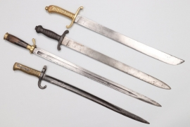 Lot of 4 fascine knives & bayonets
