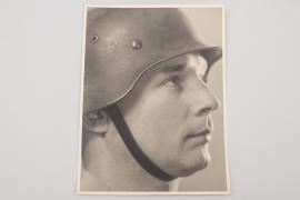 Wehrmacht portrait photo with helmet - 17.5x23 cm