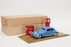 Tipp & Co. - Tankstelle mit Auto