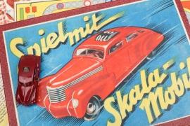 "Johann Neuhierl - Brettspiel ""Spiel mit Skala-Mobil"""