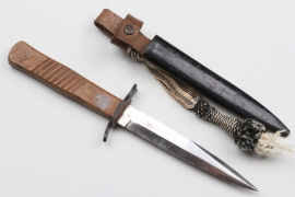 WWI trench knife with knot