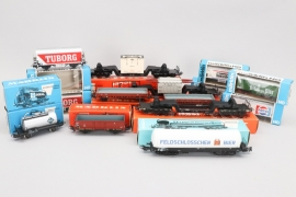 Märklin - Konvolut Wagons & Anhänger Spur H0