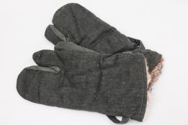 """Wehrmacht """"Drillich"""" winter mittens"""