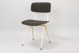 Result chair designed for Ahrend De Cirkel // Friso Kramer