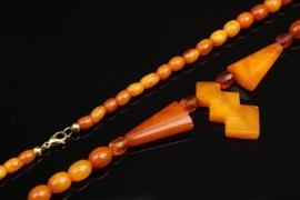 Bernsteinkette mit geometrischem Anhänger