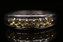 Silberring mit gelben Saphiren