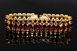 Bracelet with red Bohemian garnets