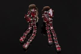 Golden ear clips with garnets