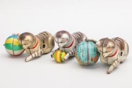Köhler - Konvolut Katzen mit Ball