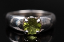 Silver ring with peridot