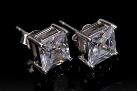 Silver ear studs with cubic zirconia