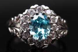 Silver cluster ring with cubic zirconias