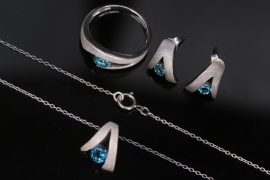 Topaz-set | Silver earrings, necklace with pendant and ring