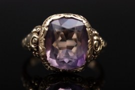Golden amethyst ring