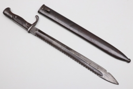 WWI bayonet 98/05 with sawback blade - W 16
