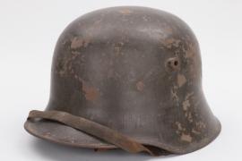 WWI M16 helmet with chin strap - TJ66