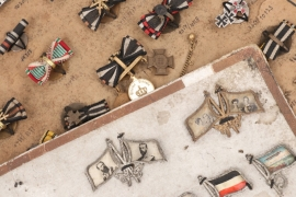 Imperial Germany - 2 + sample boards for miniatures of WWI awards
