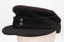 Heer Panzer M43 field cap (privately purchased)