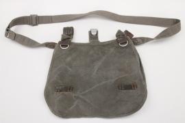 Heer Art.Rgt.50 bread bag + carrying strap