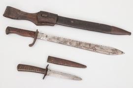 WWI bayonet 98/05 with sawback blade & trench knife