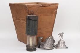 WWI/WWI headgear transport box + reservists mug lids