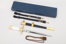 France - air force officer's dagger with hangers & portpee in case