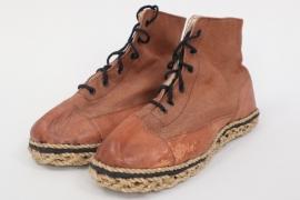 "Heer Gebirgsjäger ""Hüttenschuhe"" low ankle boots"