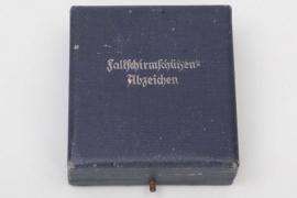 Case to Luftwaffe Paratrooper Badge