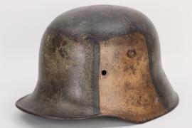 WW1 M16 mimikry camo helmet - battle damaged