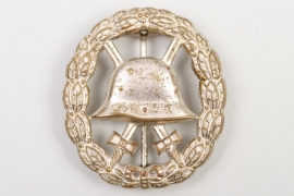 WWI Wound Badge in Silver - cut-out