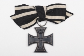 1914 Iron Cross 2nd Class on ribbon bow
