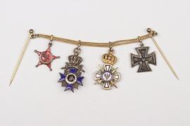 WWI important 4-place miniatur chain