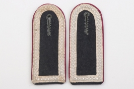 Heer Nebelwerfer shoulder boards for an Unterfeldwebel