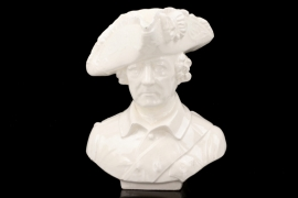 Porcelain bust of Friedrich II. - Rudolf Heinz & Co