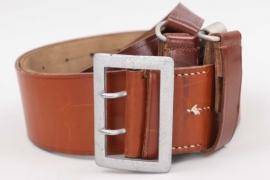 "Luftwaffe officer's belt with shoulder strap ""Zweidornkoppel"""