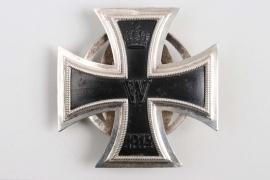 "1914 Iron Cross 1st Class on screw-back ""KMSt"" - variant (mint)"