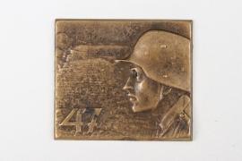 """WWI (KuK) IR 47 """"Graf von Beck-Rzikowsky"""" cap badge"""