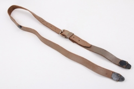 Postwar leather carrying for field-telephone M 33