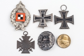 Observer's Badge Grouping