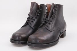 Civil low ankle boots - postwar