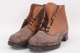 Civil low ankle boots
