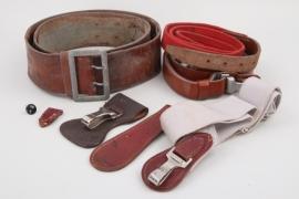 Lt. Tröger  - lot of belts & hangers