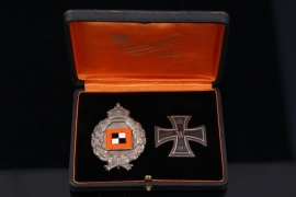 Observer's Badge & 1914 Iron Cross 1st Class in case