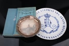 Dragoner-Regiment von Arnim porcelain plate + 2 books & silver plate