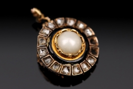 Part of a Art Déco style pearl and diamond pendant